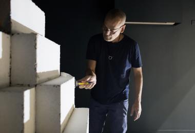 Making of The Glass Shaper - Ahmad Jallouk, installation by Sahel Al Hiyari
