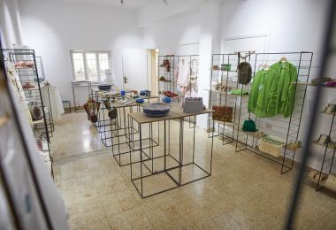 محل شركة صندوق المرأة للتمويل الأصغر © أسبوع عمان للتصميم 2019